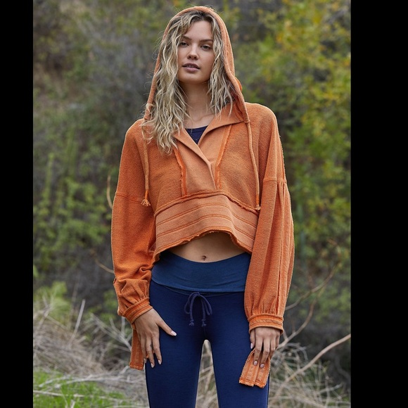 Free People Half Court  hoody cropped SweatShirt Paprika ruched back size L NWT
